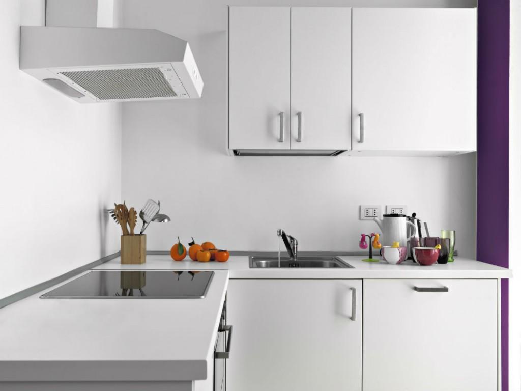 Prix d 39 une hotte de cuisine et co t d 39 installation for Installation cuisine