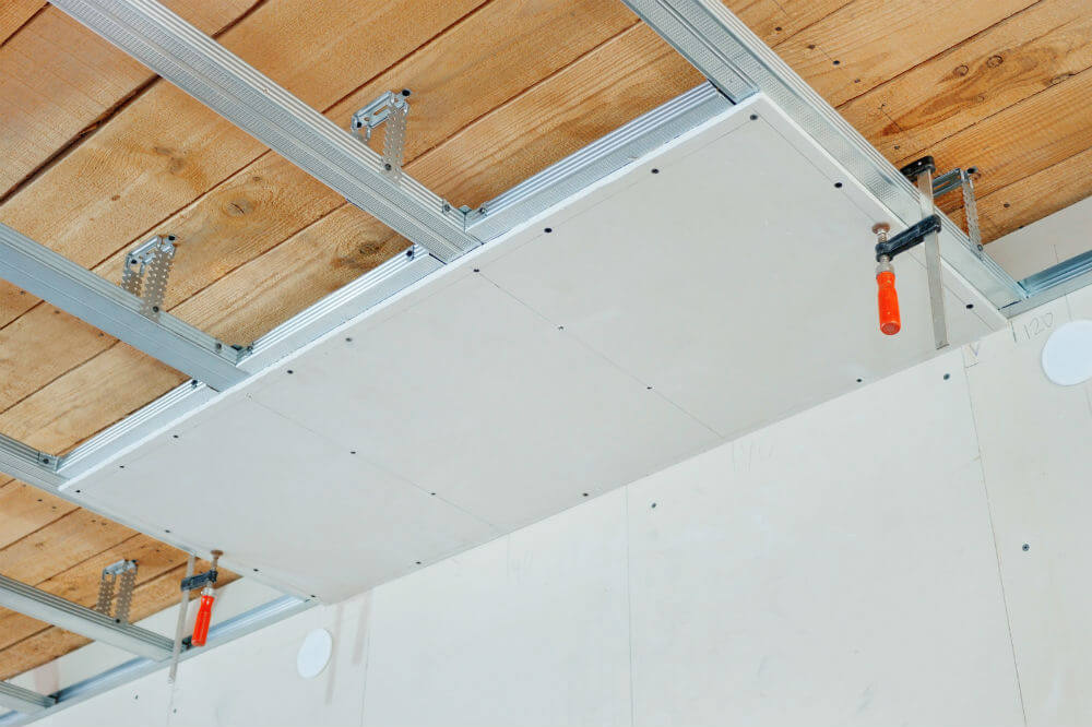 Comment isoler un plafond for Isolation dalle garage