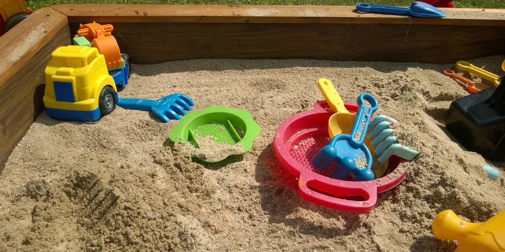fabriquer un bac sable. Black Bedroom Furniture Sets. Home Design Ideas