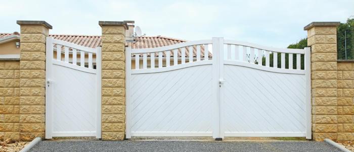 Prix de pose d 39 un portail for Porte jardin pvc blanc