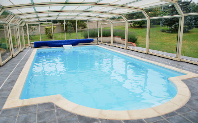 Prix d 39 un abri de piscine for Deshumidificateur piscine interieur