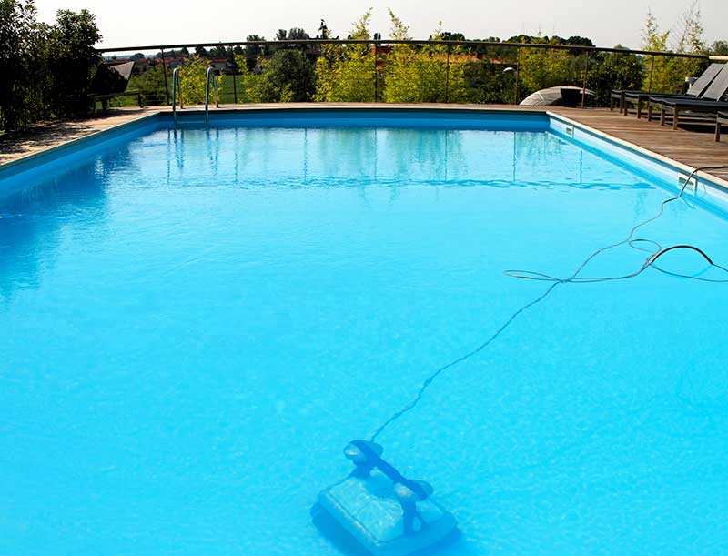 Choisir un robot de piscine for Aspirateur piscine autonome
