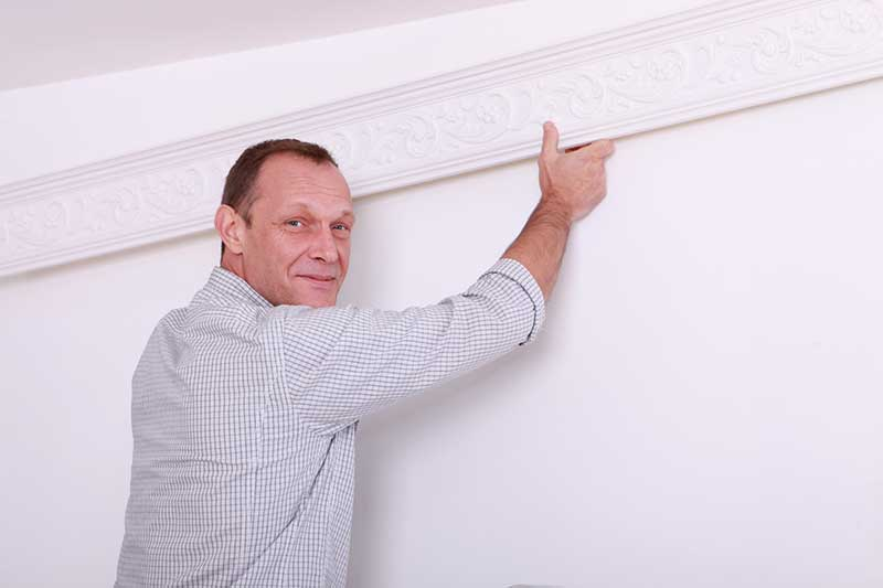 comment installer moulures plafond