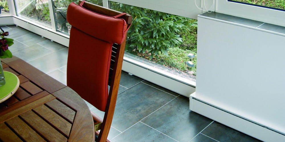 principe des plinthes chauffantes. Black Bedroom Furniture Sets. Home Design Ideas