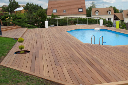 Prix d un deck de piscine for Prix piscine terrasse