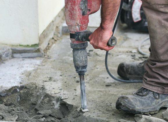 Réparer une dalle en béton extérieure