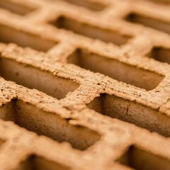Découper une brique : techniques et machines