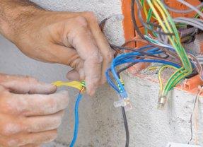 Comment savoir si l'électricité est aux normes ?