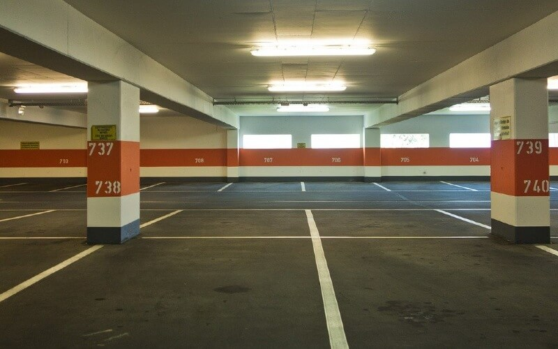 différences garage box et parking