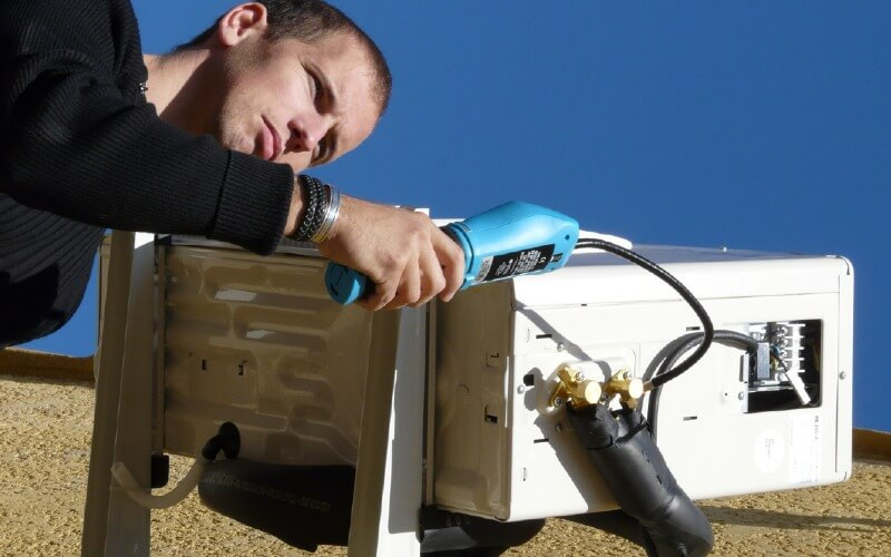 qui peut recharger un climatiseur