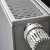 Désembouer ses radiateurs : coût et comment ?