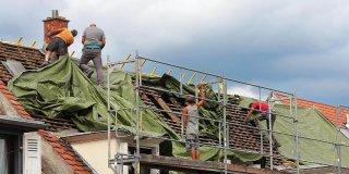 coût bâche de protection toiture urgence